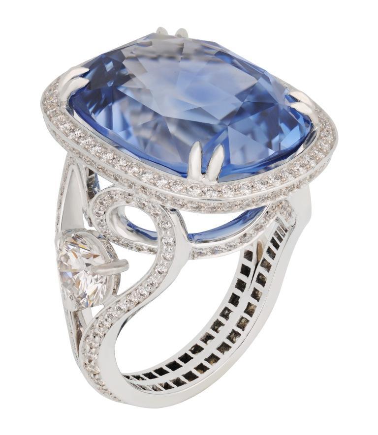 Modrý safírový prsten