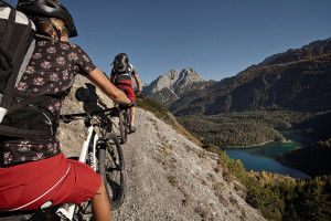 TZA-mountainbike-uphill-lermoos