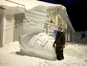 605_trehmetrovyiy-botinok-iz-snega