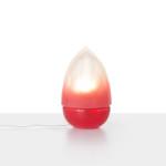 Sklenena stolni lampa Mr. Flame od Dechem Studia_k dostani v Debut Gallery_cena 9600 Kc