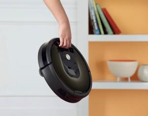 Domácnost bez praček či myček na nádobí si již nedokážeme představit, brzy i robotické vysavače budou naším každodenním běžným pomocníkem.