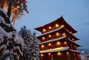 chinaturm-mit-schnee