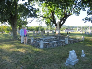 U hrobu obětí masakru v roce 1755 v pensylvánském Gnadenhutteru
