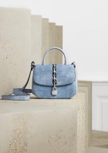 Louis Vuitton, info o ceně v obchodě.