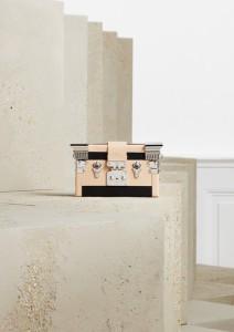 Petite Malle Temple, Louis Vuitton, info o ceně v obchodě.