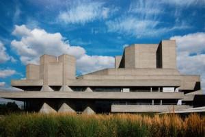 Denys Lasdun, Národní divadlo, Londýn, 1967 – 1976, tzv. brutalismus