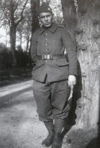 Karol Molnár v uniformě…