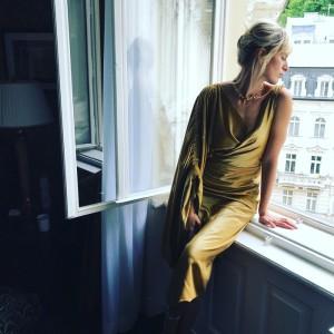 Karolina Kurkova_ Vivienne Westwood, prodava Alize