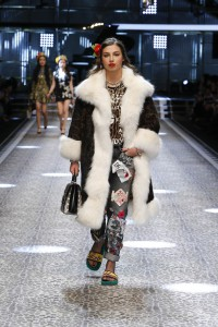 Dolce&Gabbana_women's fashion show FW17-18_Runway images (31)