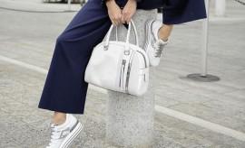 SARA SAMPAIO with Hogan maxiplatform H222 sneakers and bag_2