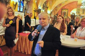 Jiří Oplt: Je to jedna z cest, jak vyburcovat svědomí a snahu pomoci všech, kteří tak mohou učinit, či je dokonce toto jejich aktivní náplní ať už pracovní či politickou