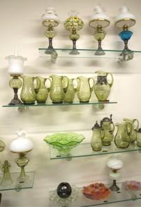 Legendární tzv. zelené sklo je mimořádně vhodné pro výrobu sklenic, pohárů a v neposlední řadě i nejrůznějších džbánků
