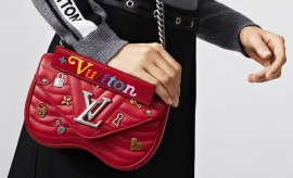 LV NEW WAVE HEART BAG LOVE LOCK ECARLATE