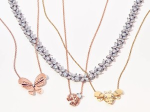 Necklaces_63464708_COMP_04_RGB_8x10