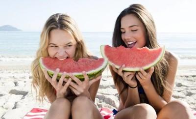Meloun Bouquet - holky na plazi