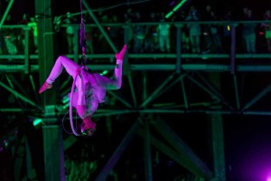 acrobatic-night-show-3_small
