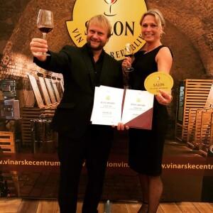 Tomáš Vican má za sebou těch soutěžních úspěchů mnohem více, za všechny připomínáme titul šampiona Krále vín, kde bylo přihlášeno 1 370 vzorků